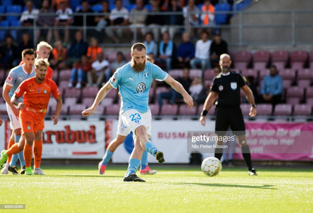 Jo Inge Berget of Malmo FF scores to 3-1 from the penalty spot during the Allsvenskan match between Athletic FC Eskilstuna and Malmo FF at Tunavallen on August 19, 2017 in Eskilstuna, Sweden.
