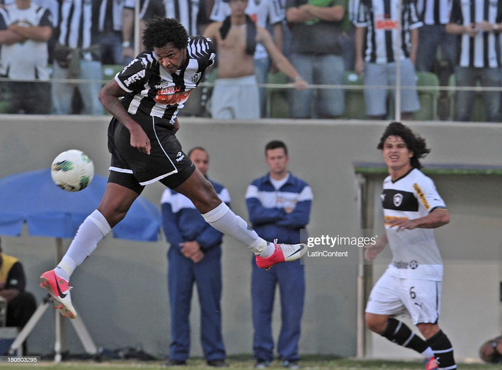 Jo of Atletico MG in action during a match between Botafogo and Atletico MG as part of the Brazilian Championship at Independence Stadium on August 19, 2012 in Belo Horizonte, Brazil.