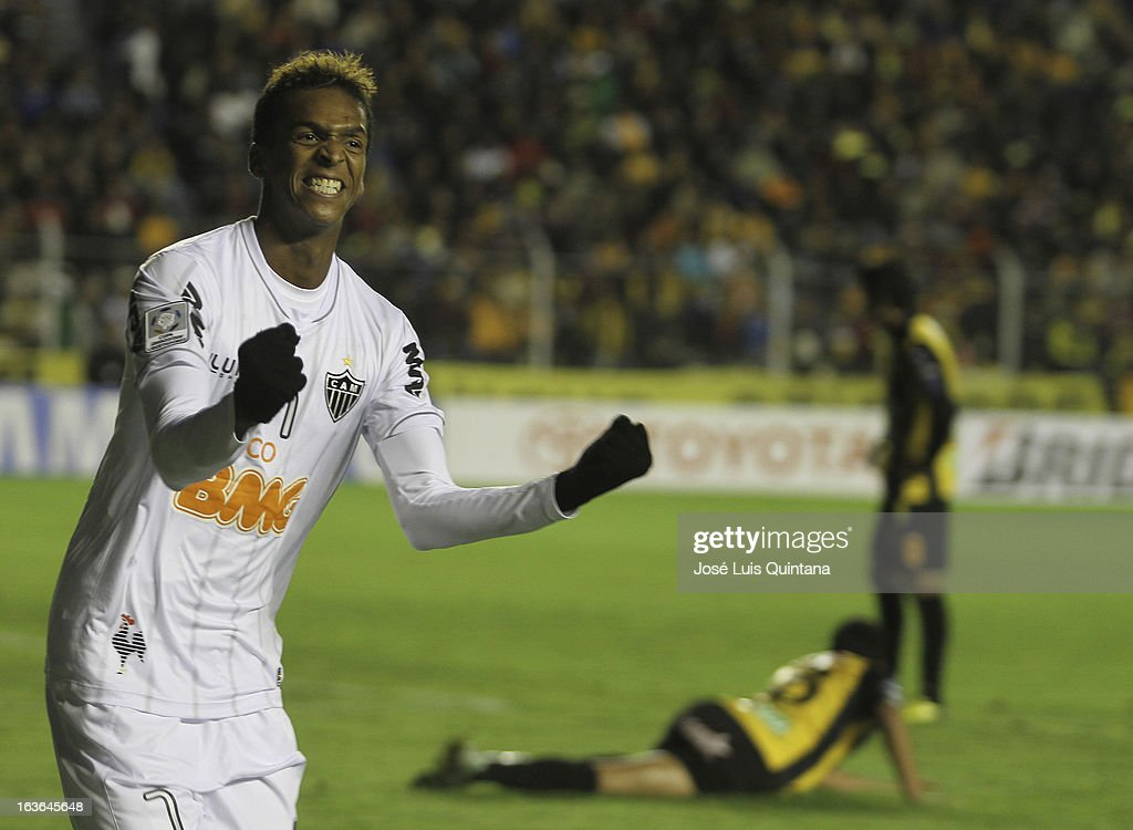 Jo of Atletico Mineiro celebrates a goal during a match between The Strongest and Atletico Mineiro as part of the Copa Bridgestone Libertadores 2013 at the Hernando Siles Stadium on March 13, 2013 in La Paz, Bolivia.