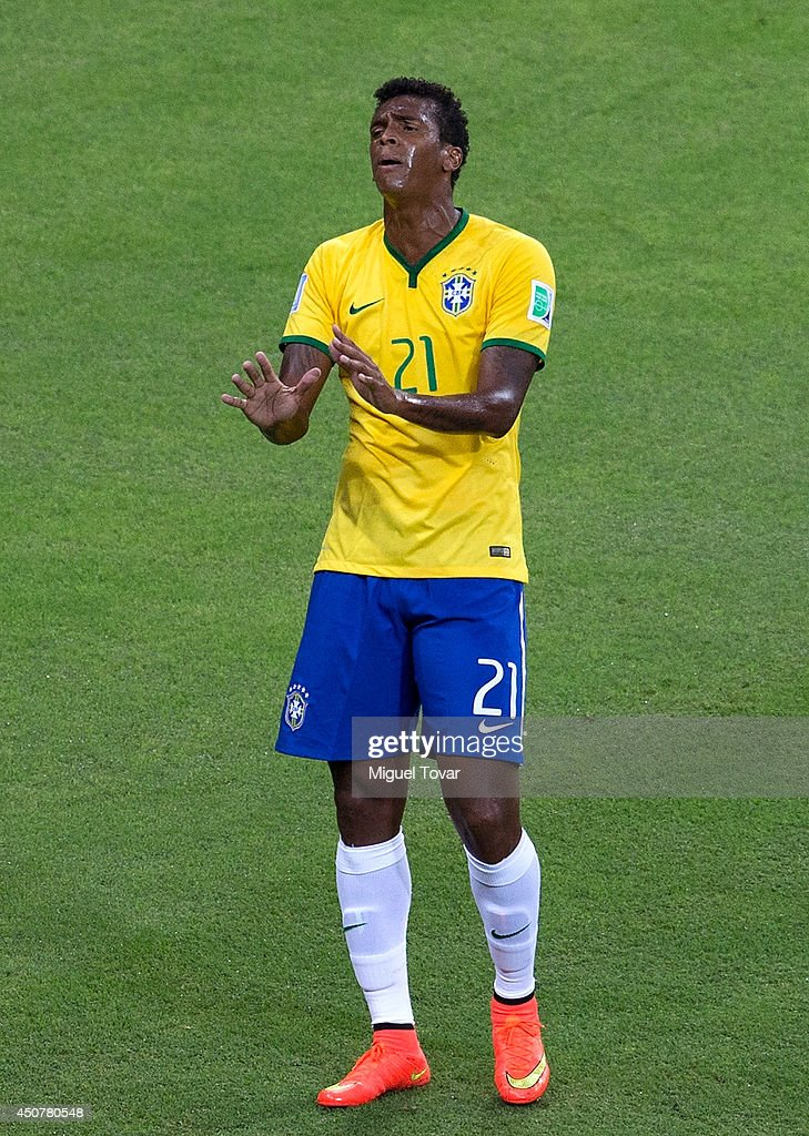 Jo of Brazil reacts during the 2014 FIFA World Cup Brazil Group A match between Brazil and Mexico at Castelao on June 17, 2014 in Fortaleza, Brazil.