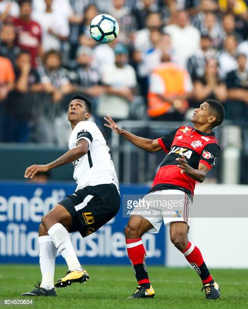 Jo of Corinthians and Marcio Araujo of Flamengo in action during the match between Corinthians and Flamengo for the Brasileirao Series A 2017 at...