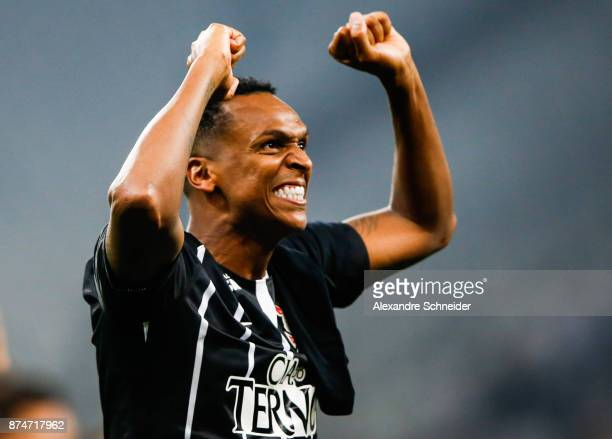 Jo of Corinthians celebrates after winning the Brasileirao Series A 2017 during the match against Fluminense at Arena Corinthians Stadium on November...
