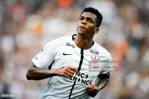 Jo of Corinthians celebrates their first goal during the match between Corinthians and Flamengo for the Brasileirao Series A 2017 at Arena...