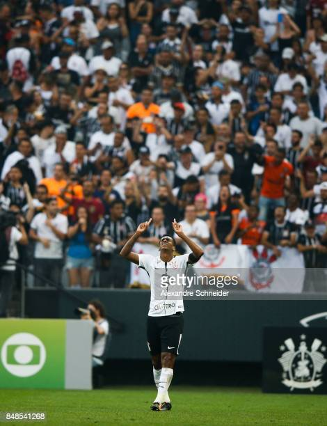 Jo of Corinthians celebrates their first goal during the match between Corinthians and Vasco da Gama for the Brasileirao Series A 2017 at Arena...