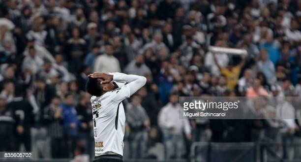 Jo of Corinthians reacts during the match between Corinthians and Vitoria for the Brasileirao Series A 2017 at Arena Corinthians Stadium on August 19...