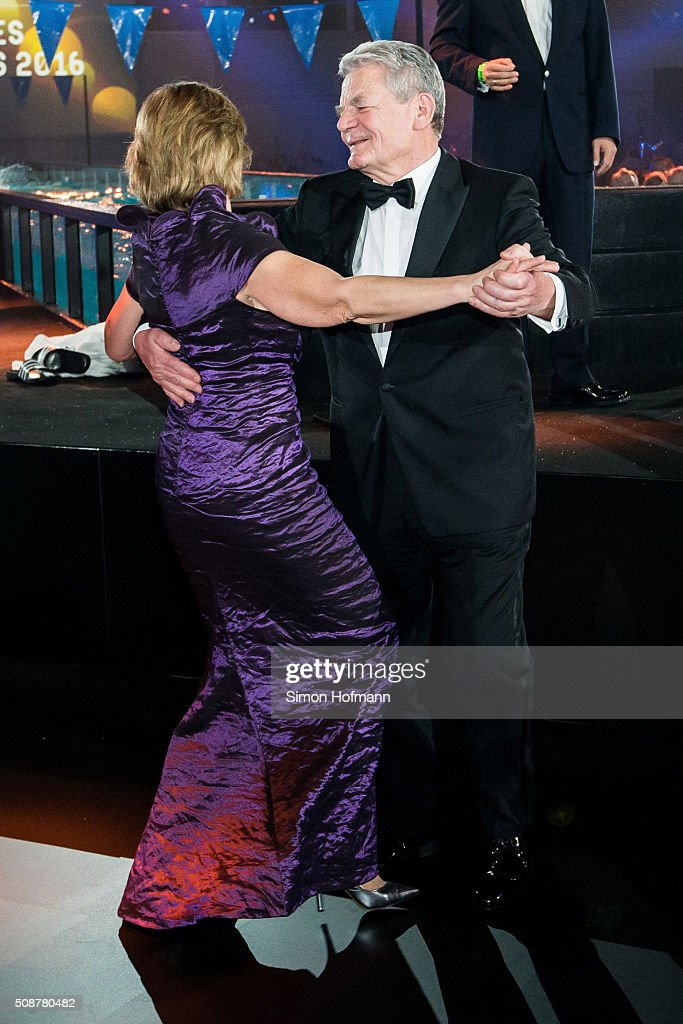 <a gi-track='captionPersonalityLinkClicked' href=/galleries/search?phrase=Joachim+Gauck&family=editorial&specificpeople=2077888 ng-click='$event.stopPropagation()'>Joachim Gauck</a>, President of Germany, dances with <a gi-track='captionPersonalityLinkClicked' href=/galleries/search?phrase=Daniela+Schadt&family=editorial&specificpeople=7055235 ng-click='$event.stopPropagation()'>Daniela Schadt</a> during the German Sports Gala 'Ball des Sports 2016' on February 6, 2016 in Wiesbaden, Germany.