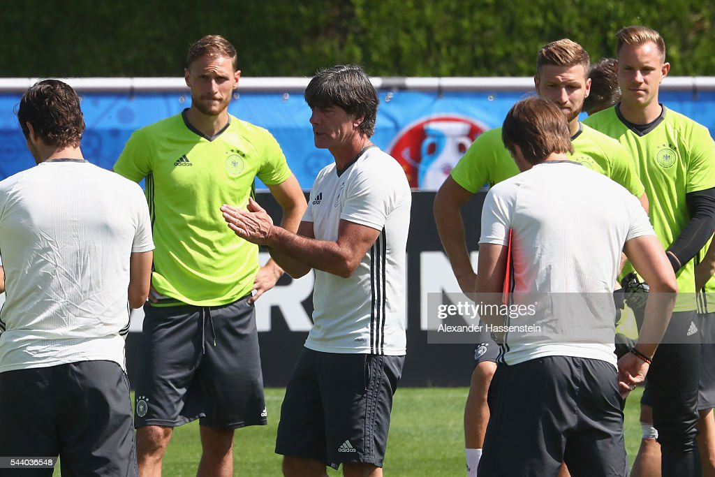 <a gi-track='captionPersonalityLinkClicked' href=/galleries/search?phrase=Joachim+Loew&family=editorial&specificpeople=215315 ng-click='$event.stopPropagation()'>Joachim Loew</a> (C), head coach of Germany talks to his players prior to a Germany training session ahead of their Euro 2016 quarter final match against Italy at Ermitage Evian on July 01, 2016 in Evian-les-Bains, France.
