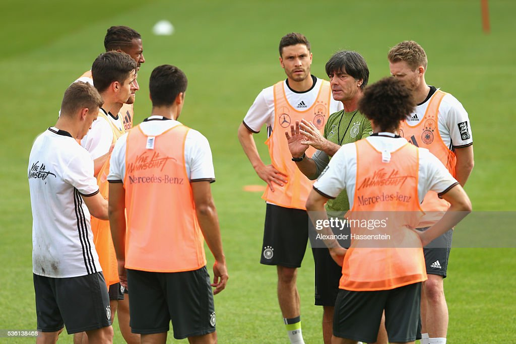 <a gi-track='captionPersonalityLinkClicked' href=/galleries/search?phrase=Joachim+Loew&family=editorial&specificpeople=215315 ng-click='$event.stopPropagation()'>Joachim Loew</a>, head coach of the German national team talks to his players during a training session at Stadio communale on day 8 of the German national team trainings camp on May 31, 2016 in Ascona, Switzerland.