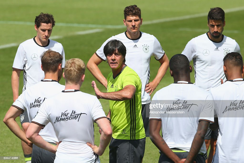 <a gi-track='captionPersonalityLinkClicked' href=/galleries/search?phrase=Joachim+Loew&family=editorial&specificpeople=215315 ng-click='$event.stopPropagation()'>Joachim Loew</a>, head coach of the Germany national team talks to his players during a training session at stadio communale on day 3 of the German national team trainings camp on May 26, 2016 in Ascona, Switzerland.
