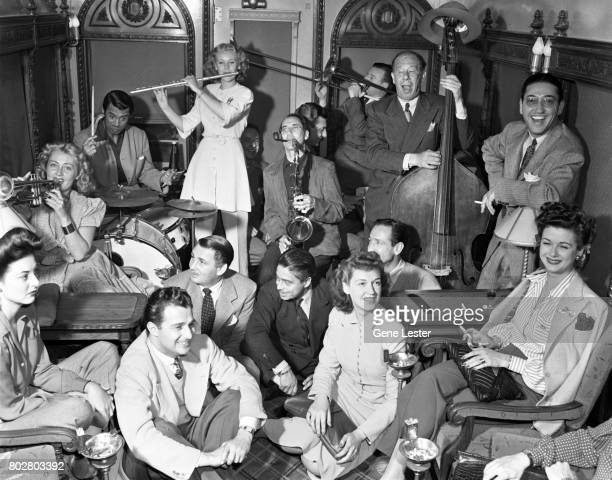 Joan BlondellCary GrantMarie McDonaldGroucho MarxBert LahrRise StevensJoan Bennett performing at the LA train station aka Union Station as part of...