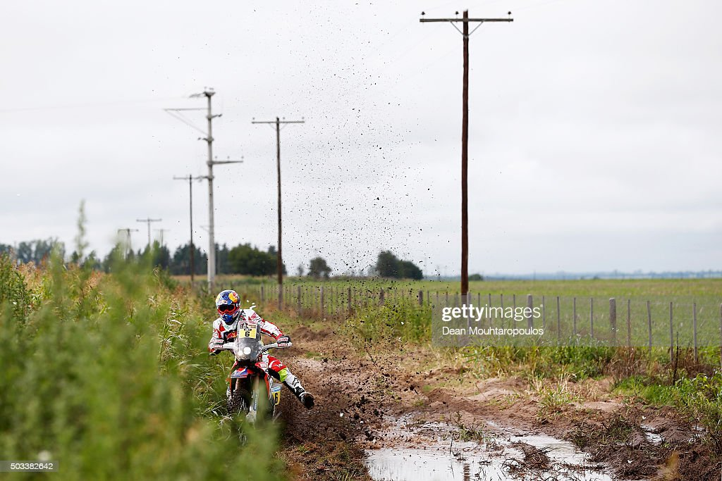 Joan Bort Barreda of Spain riding on and for HONDA CRF450RALLY TEAM HRC competes between Villa Carlos Paz and Termas de Rio Hondo in the 2016 Dakar Rally on January 4, 2016 near Dean Funes, Argentina.
