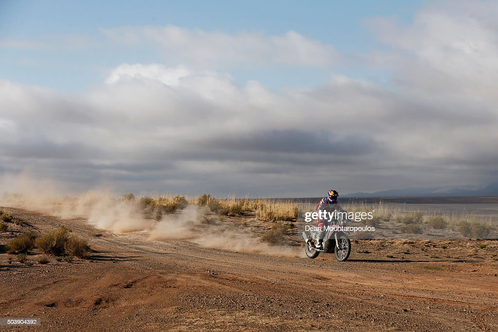 Joan Bort Barreda of Spain riding on and for HONDA CRF450RALLY TEAM HRC competes on day 5 from Jujuy in Argentina to Uyuni in Bolivia during stage five of the 2016 Dakar Rally on January 7, 2016 in Villazon, Bolivia .