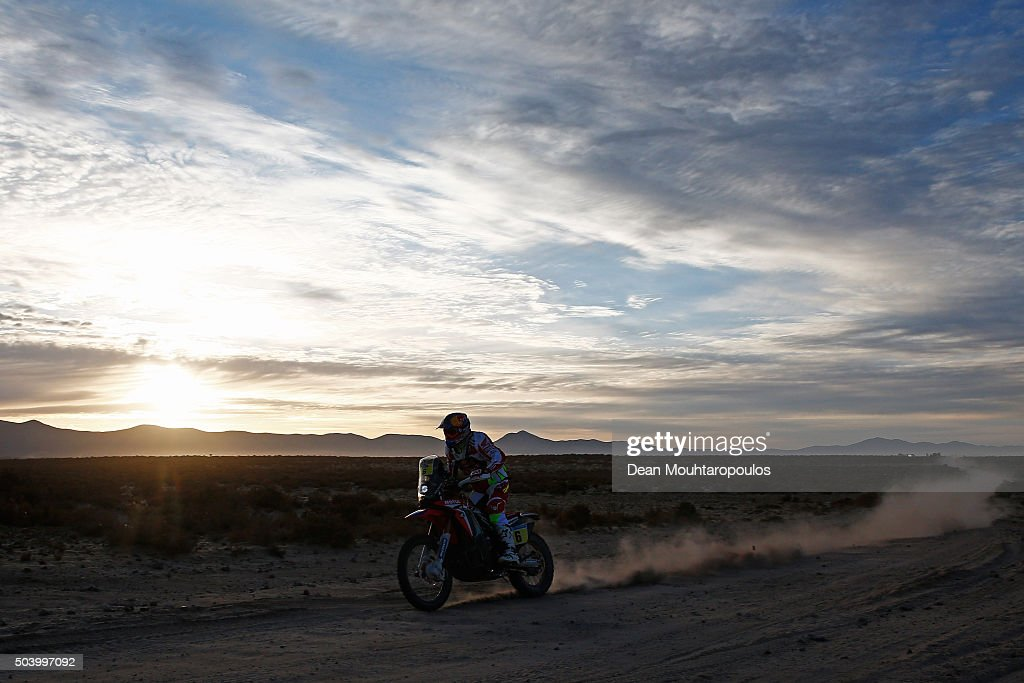 Joan Bort Barreda of Spain riding on and for HONDA CRF450RALLY TEAM HRC competes on day 6 during stage six of the 2016 Dakar Rally on January 8, 2016 in near Uyuni, Bolivia.