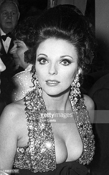 Joan Collins and Anthony Newley attend the premiere of 'Dr Dolittle' on December 19 1967 at Loew's State Theater in New York City