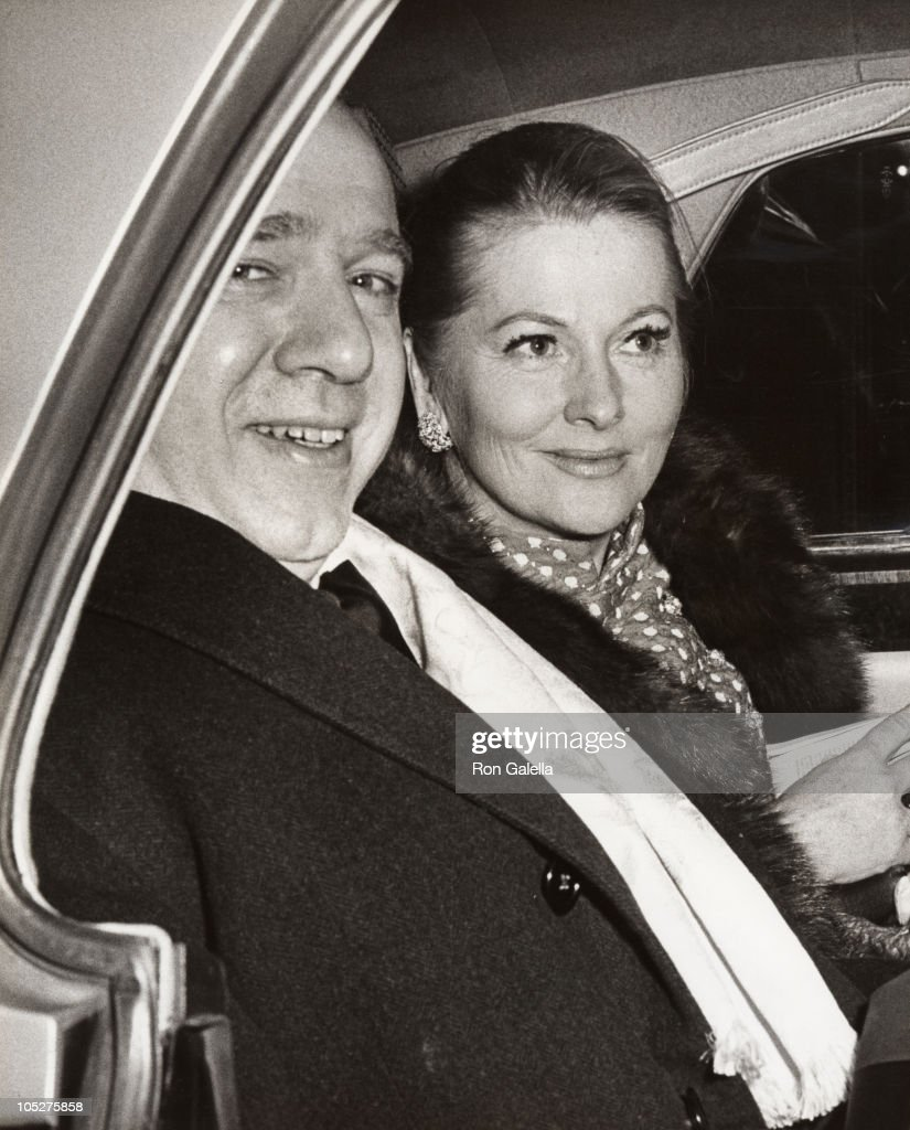 <a gi-track='captionPersonalityLinkClicked' href=/galleries/search?phrase=Joan+Fontaine&family=editorial&specificpeople=206434 ng-click='$event.stopPropagation()'>Joan Fontaine</a> and guest during Various, United States.
