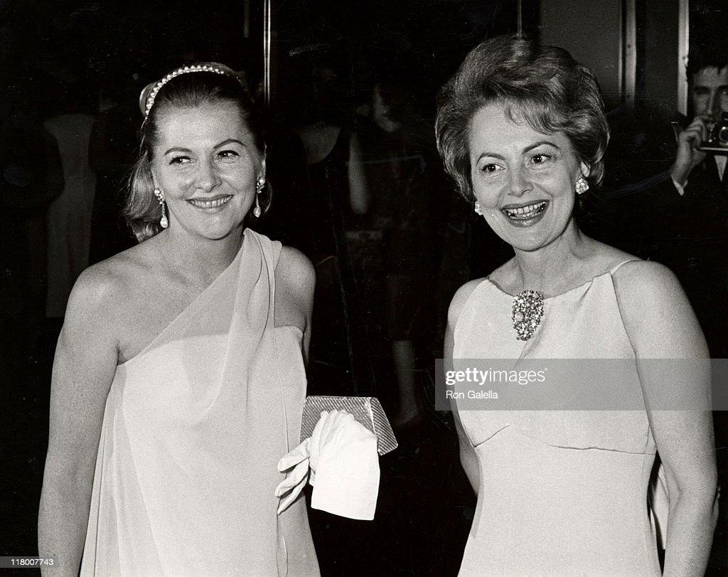 Joan Fontaine and sister Olivia de Havilland