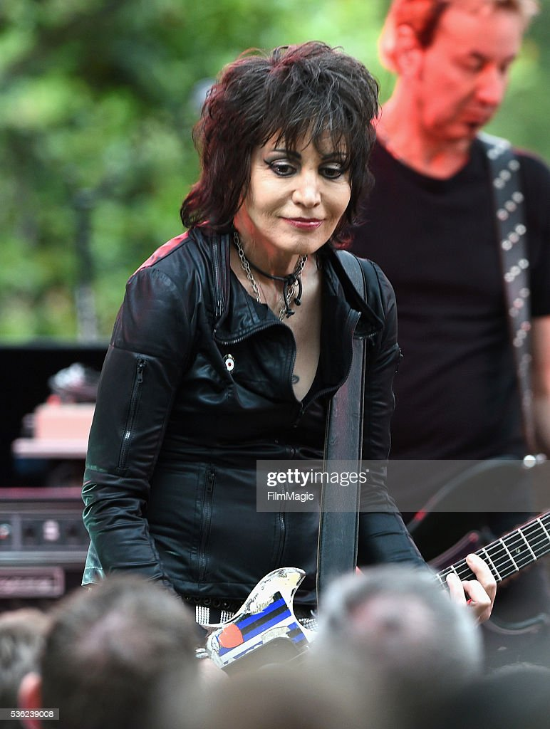 <a gi-track='captionPersonalityLinkClicked' href=/galleries/search?phrase=Joan+Jett&family=editorial&specificpeople=213317 ng-click='$event.stopPropagation()'>Joan Jett</a> performs onstage at WHO Cares About The Next Generation at a private residence on May 31, 2016 in Pacific Palisades, California.