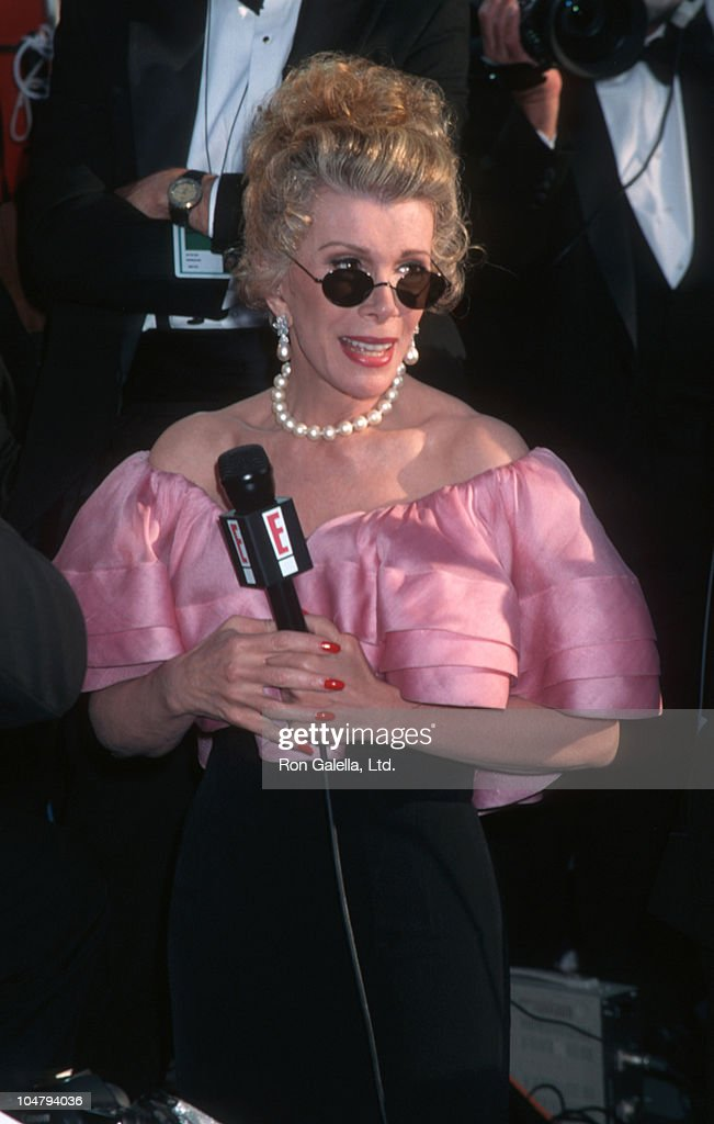 <a gi-track='captionPersonalityLinkClicked' href=/galleries/search?phrase=Joan+Rivers&family=editorial&specificpeople=159403 ng-click='$event.stopPropagation()'>Joan Rivers</a>