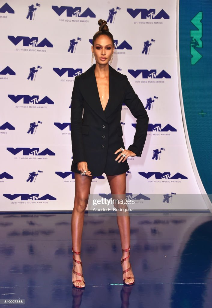 Joan Smalls attends the 2017 MTV Video Music Awards at The Forum on August 27, 2017 in Inglewood, California.