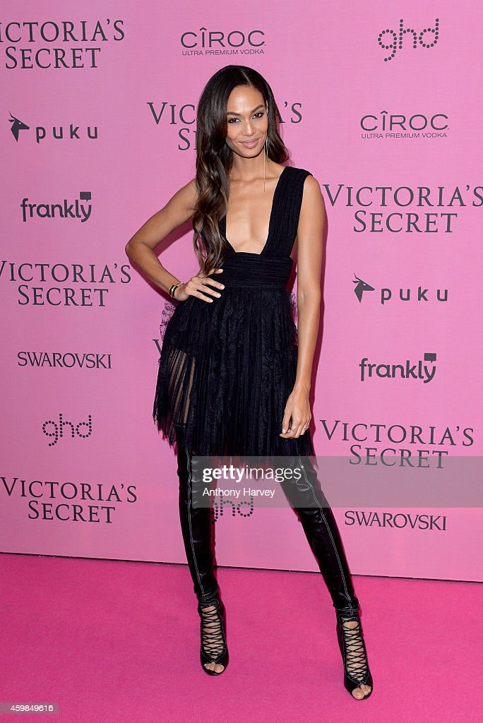 <a gi-track='captionPersonalityLinkClicked' href=/galleries/search?phrase=Joan+Smalls&family=editorial&specificpeople=5714628 ng-click='$event.stopPropagation()'>Joan Smalls</a> attends the pink carpet of the 2014 Victoria's Secret Fashion Show on December 2, 2014 in London, England.