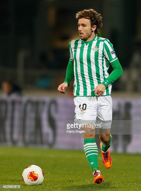 Joan Verdu of Real Betis in action during the UEFA Europa League Group I match between Olympique Lyonnais and Real Betis Balompie at Stade de Gerland...