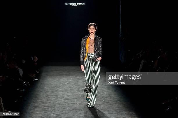 Joana Sanz walks the runway at the Menchen Tomas show during the Barcelona 080 Fashion Week Autumn/Winter 2016/2017 at Casa Llotja de Mar on February...