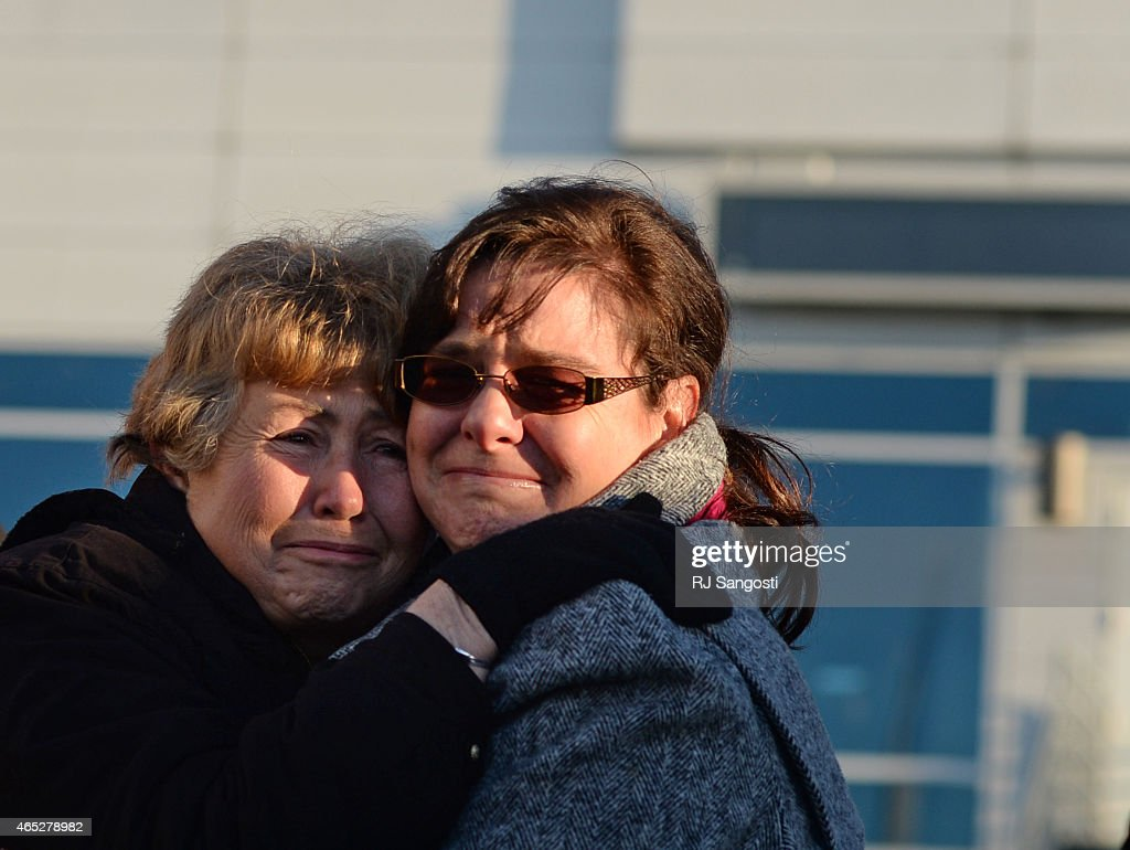 pow remains back home pictures getty images joann mueller left and michele mueller family of sgt floyd jackson