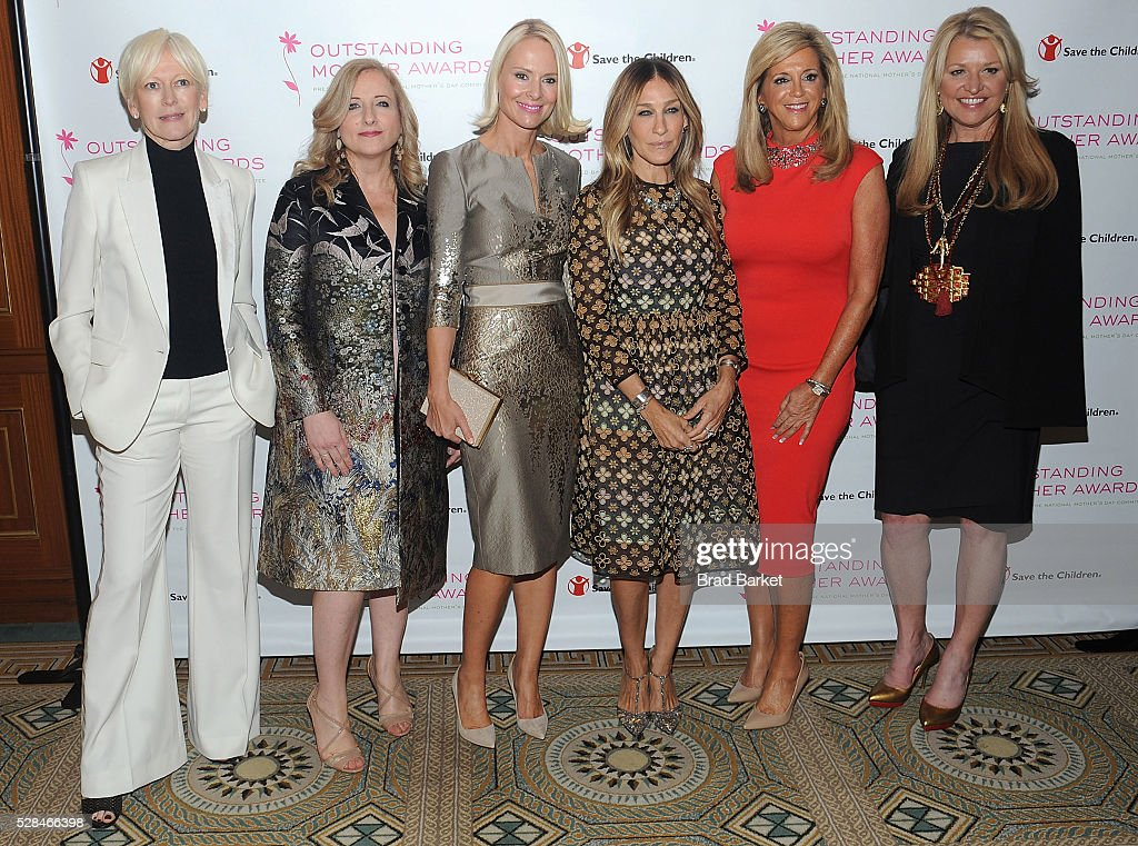 <a gi-track='captionPersonalityLinkClicked' href=/galleries/search?phrase=Joanna+Coles&family=editorial&specificpeople=4060670 ng-click='$event.stopPropagation()'>Joanna Coles</a>, Gemma Lionello, Louise Camuto, <a gi-track='captionPersonalityLinkClicked' href=/galleries/search?phrase=Sarah+Jessica+Parker&family=editorial&specificpeople=201693 ng-click='$event.stopPropagation()'>Sarah Jessica Parker</a>, Joy Magano and <a gi-track='captionPersonalityLinkClicked' href=/galleries/search?phrase=Mindy+Grossman&family=editorial&specificpeople=2939784 ng-click='$event.stopPropagation()'>Mindy Grossman</a> attend the 2016 Outstanding Mother Awards at The Pierre Hotel on May 5, 2016 in New York City.