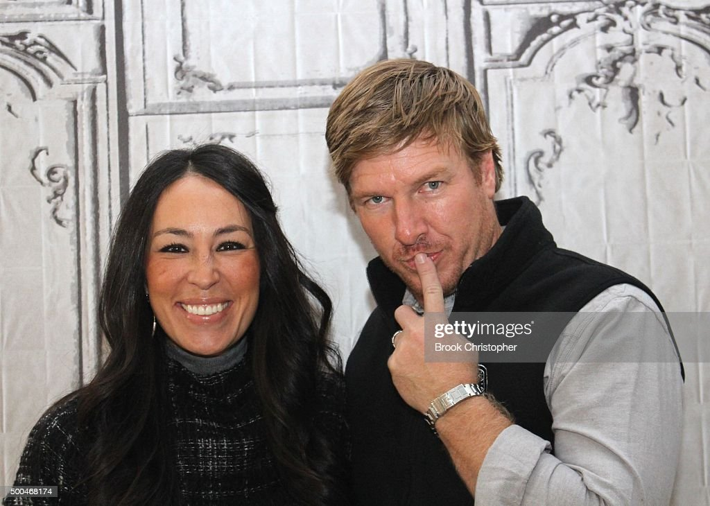 Joanna gaines and chip gaines discuss their show fixer upper at aol