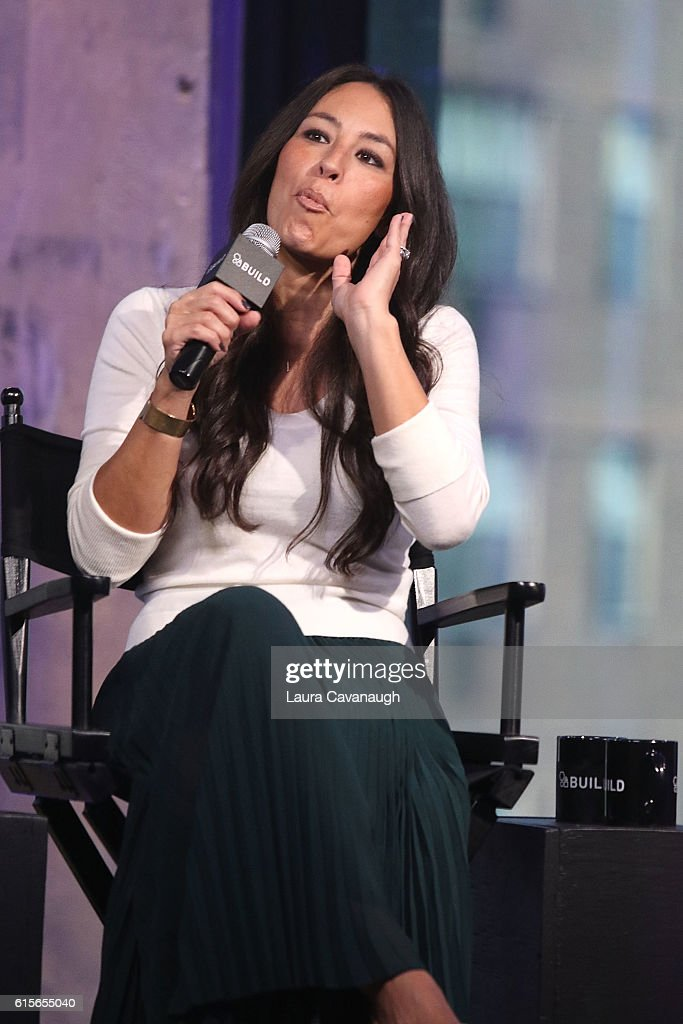 Joanna Gaines attends The Build Series to discuss 'The Magnolia Story' at AOL HQ on October 19, 2016 in New York City.