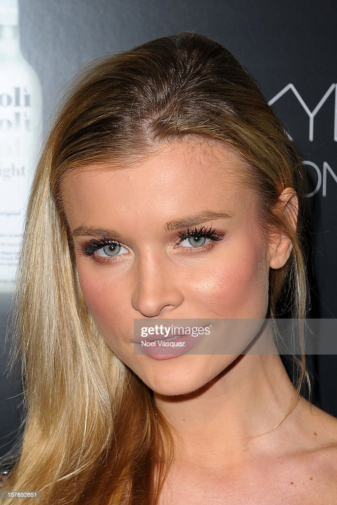 Joanna Krupa attends the Voli Lights Vodka benefit at SkyBar at the Mondrian Los Angeles on December 6, 2012 in West Hollywood, California.