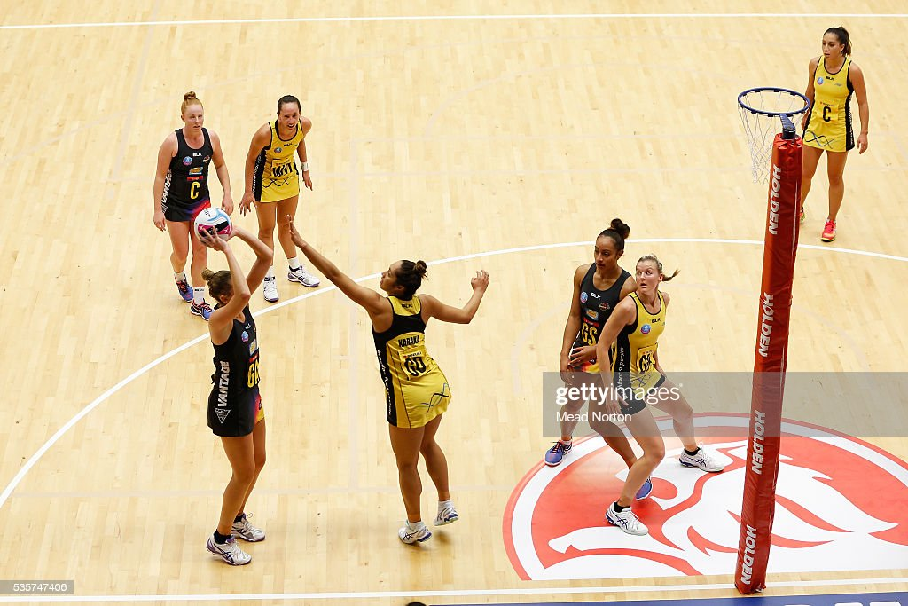 Joannne Harten of the Bop Magic shooting during the round nine ANZ Championship match between the Magic and the Pulse at ASB Baypark Stadium on May 30, 2016 in Mount Maunganui, New Zealand.