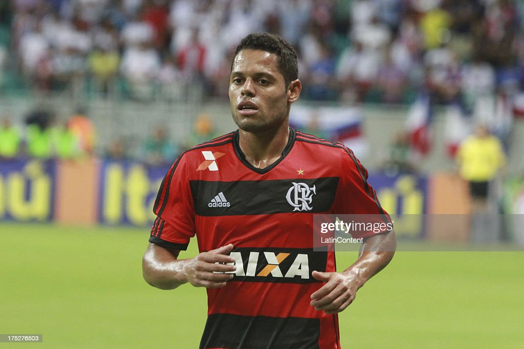 Luiz Antonio of Flamengo in action during a match between Flamengo and Bahia as part of the Brazilian Serie A Championship at Arena Fonte Nova Stadium on July 31, 2013 in Salvador, Brasil.