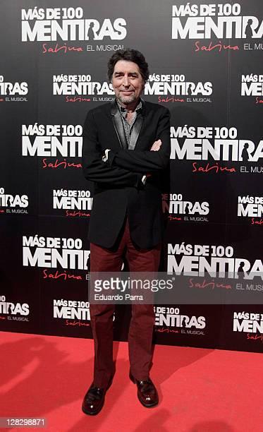 Joaquin Sabina attends the 'Mas De 100 Mentiras' premiere photocall at Rialto Theatre on October 6 2011 in Madrid Spain