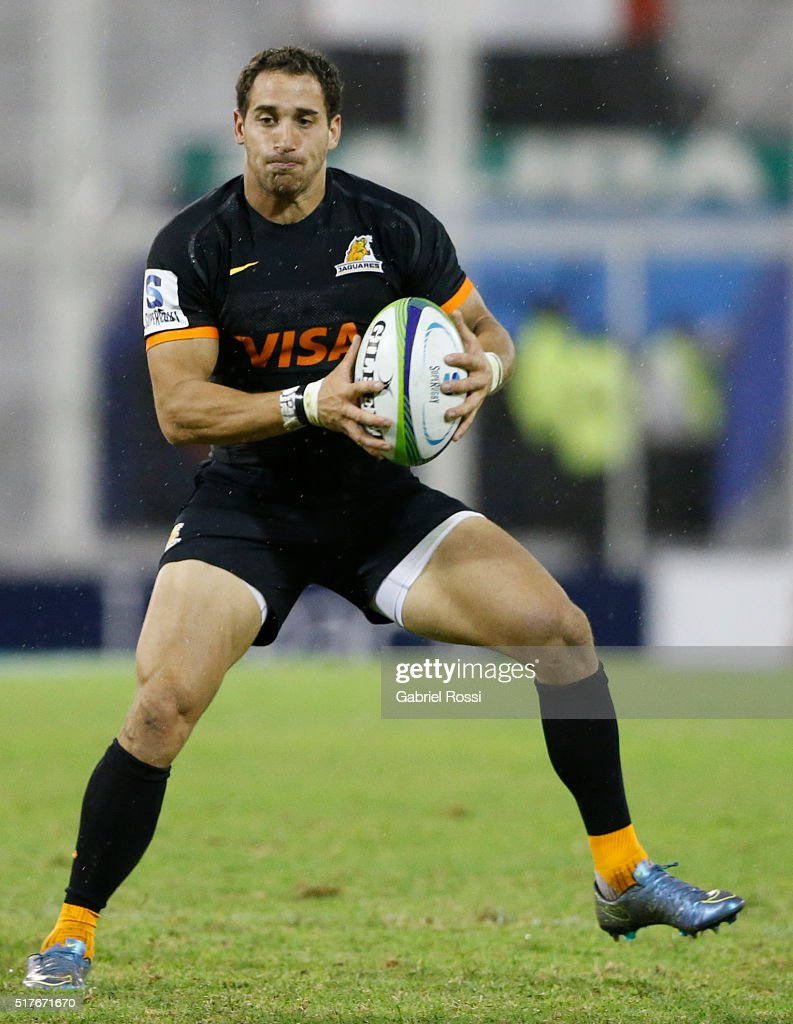 Joaquin Tuculet of Jaguares drives the ball during the 2016 Super Rugby match between Jaguares and Stormers at Jose Amalfitani Stadium on March 26, 2016 in Buenos Aires, Argentina.