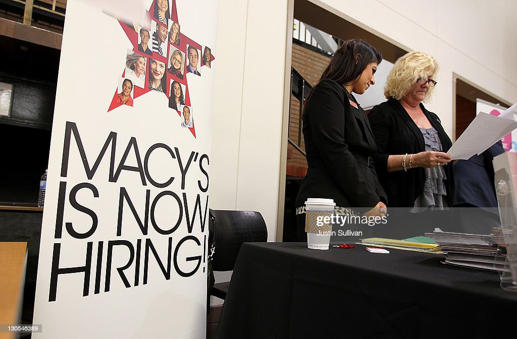 Lovely Job Recruiters With Macyu0027s Look Over A Resume During The College Of Marinu0027s  Annual Fall Job
