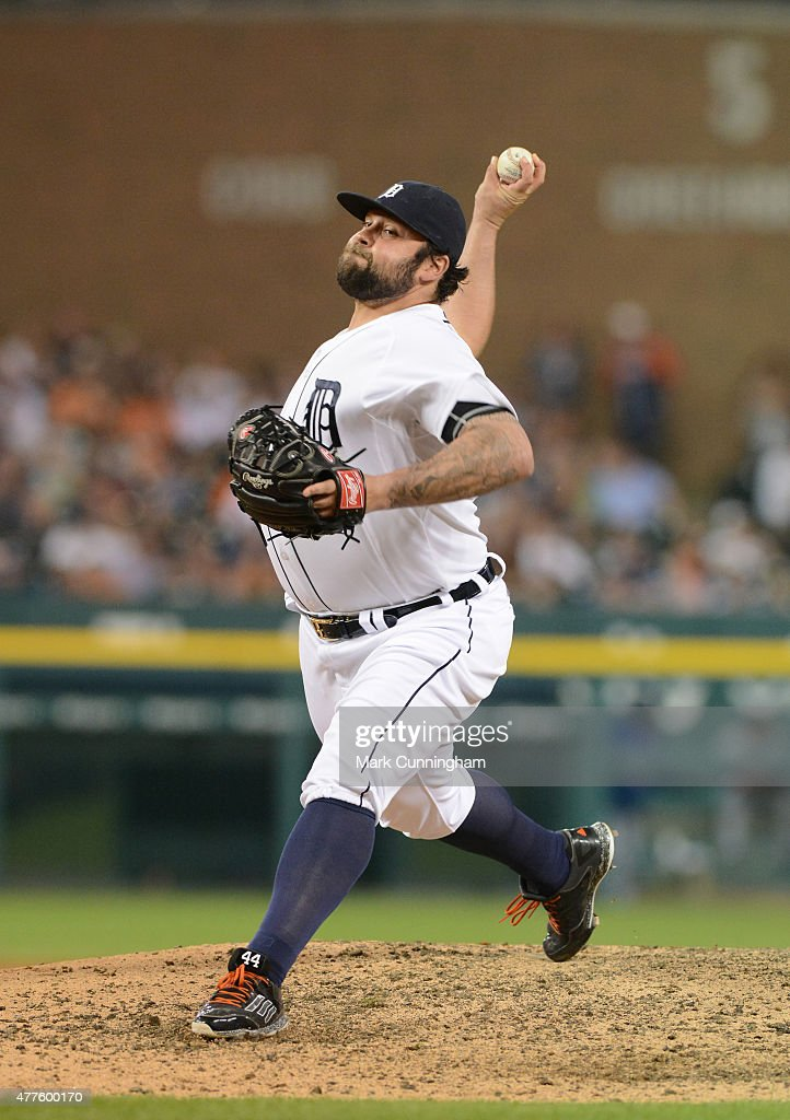 <a gi-track='captionPersonalityLinkClicked' href=/galleries/search?phrase=Joba+Chamberlain&family=editorial&specificpeople=4391682 ng-click='$event.stopPropagation()'>Joba Chamberlain</a> #44 of the Detroit Tigers pitches during the game against the Chicago Cubs at Comerica Park on June 9, 2015 in Detroit, Michigan. The Tigers defeated the Cubs 6-0.