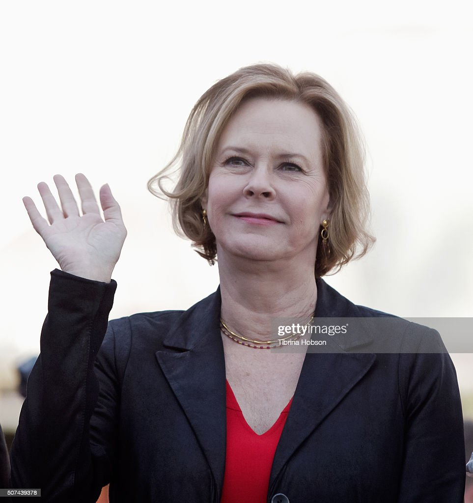 JoBeth Williams attends The 22nd Annual Screen Actors Guild Awards Red Carpet Roll-Out and Look Behind-The-Scenes at The Shrine Expo Hall on January 29, 2016 in Los Angeles, California.