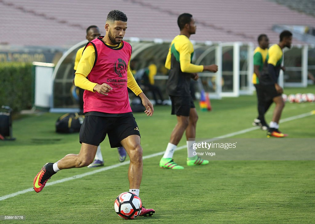 <a gi-track='captionPersonalityLinkClicked' href=/galleries/search?phrase=Jobi+McAnuff&family=editorial&specificpeople=642949 ng-click='$event.stopPropagation()'>Jobi McAnuff</a> plays the ball during a Jamaica National Team training session at The Rose Bowl on June 08, 2016 in Pasadena, United States.