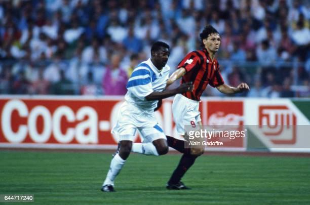 Jocelyn ANGLOMA / Marco VAN BASTEN Marseille / Milan AC Finale de la Ligue des Champions 1993 Photo Alain Gadoffre / Icon Sport