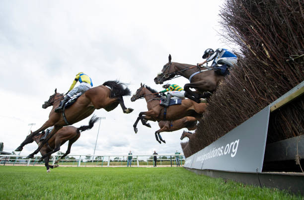GBR: Southwell Races