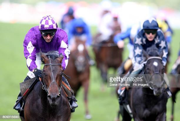 Jockey Jimmy Fortune on Pisco Sour during Day Three of the 2011 Royal Ascot Meeting