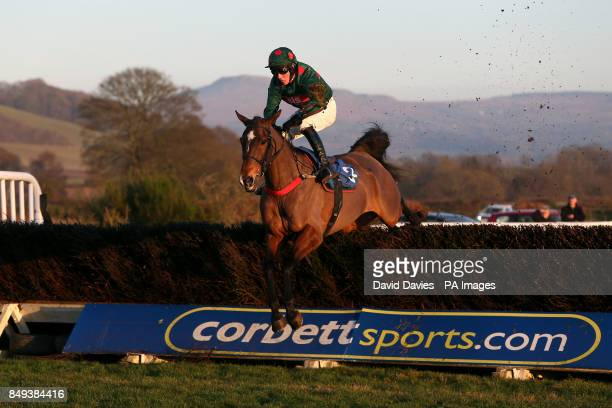 Jockey Nicholas Slatter on One More Dinar in the Annual Members Racing Excellence 'Hands And Heels' Handicap Chase at Ludlow