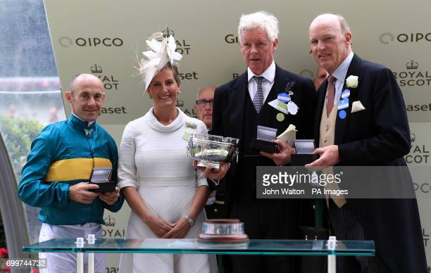 Jockey Olivier Peslier The Countess of Wessex owner James Wigan and Trainer John Gosden during the presentation for the Hampton Court Stakes during...