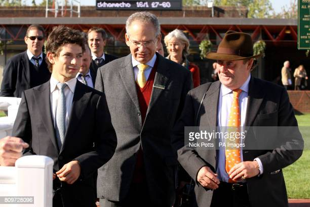Jockey Sam WaleyCohen with his father Robert WaleyCohen and trainer Nicky Henderson