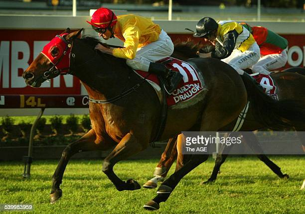 Jockey Steven Arnold on Undue winner of the Doomben 10 at Doomben Turf Club in Brisbane on 27th May 2006 THE AGE SPORT Picture by PAUL HARRIS