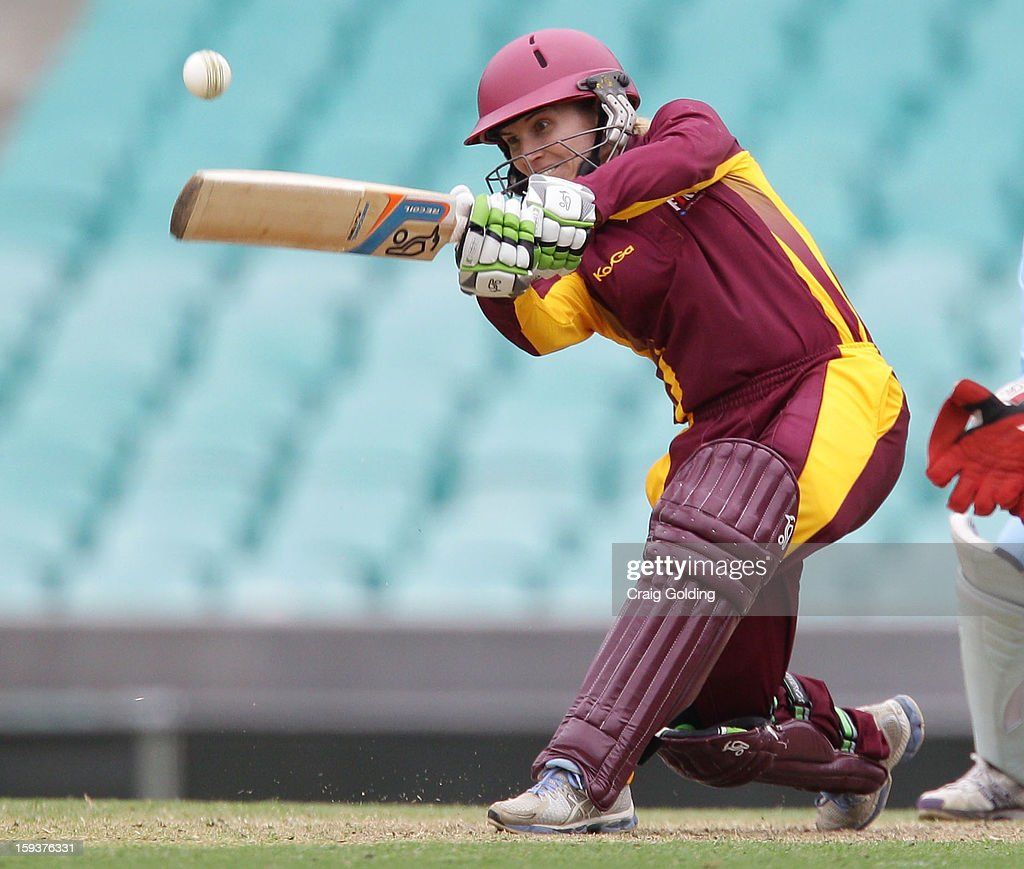 Jodie Fields bats during the WNCL Final match between the NSW Breakers and the Queensland Fire at the Sydney Cricket Ground on January 13, 2013 in Sydney, Australia.