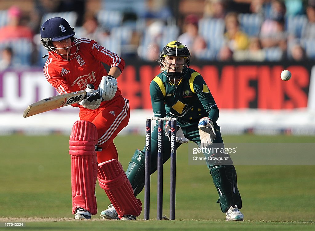 <a gi-track='captionPersonalityLinkClicked' href=/galleries/search?phrase=Jodie+Fields&family=editorial&specificpeople=5576479 ng-click='$event.stopPropagation()'>Jodie Fields</a> of Australia looks on as Sarah Taylor of England keeps an eye on her shot during the England Women and Australia Women Ashes Series - 3rd NatWest ODI at The BrightonandHoveJobs.com County Ground on August 25, 2013 in Hove, England.