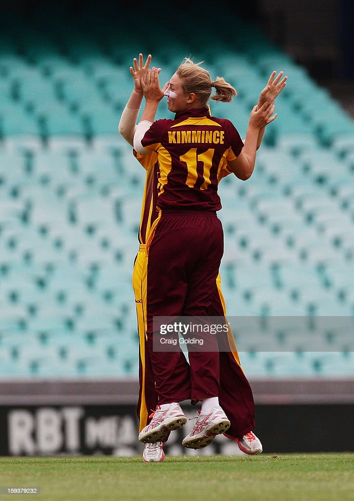 Jodie Fields of the Fire catches Lisa Sthalekar of the bowling of Delissa Kimmince during the WNCL Final match between the NSW Breakers and the Queensland Fire at the Sydney Cricket Ground on January 13, 2013 in Sydney, Australia.