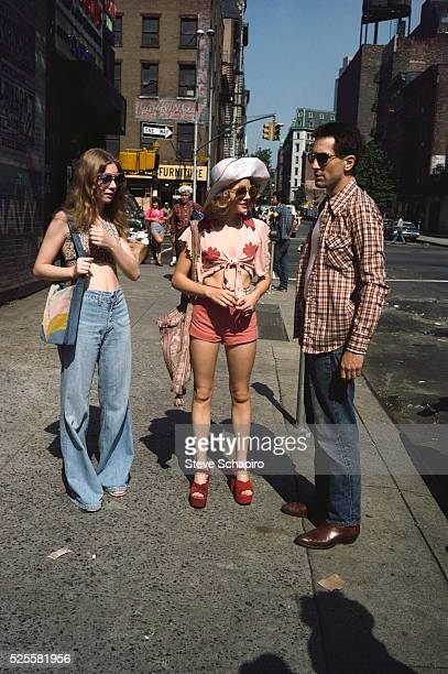 Jodie Foster and Robert De Niro on the set of Martin Scorsese's Taxi Driver